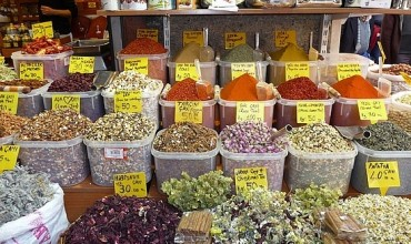 Shop in bazaar and enjoy the seasonal fruits of Alanya