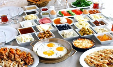 Have a brunch in Alanya