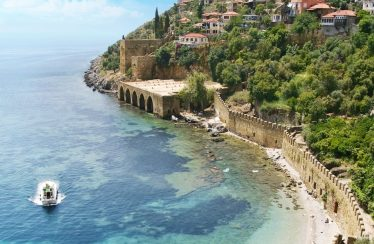 Feel the meaning of Turquoise in Alanya